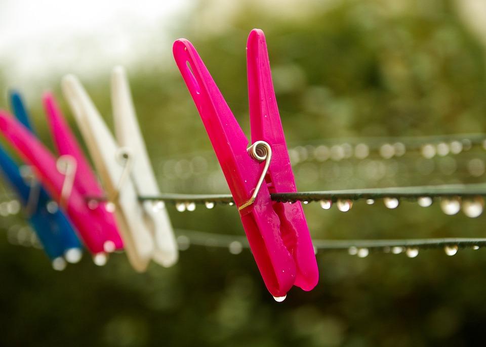 雨の日の洗濯はさみ